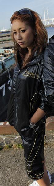画像2: シャイニーナイロンハーフパンツ黒×金