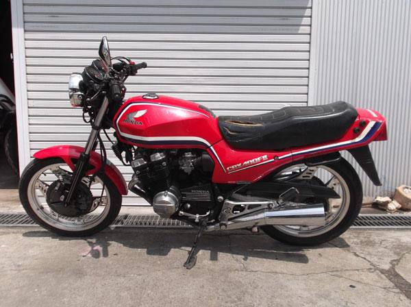 画像1: HONDA CBX400F 逆車カラー赤 通関証