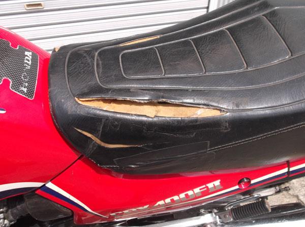 画像3: HONDA CBX400F 逆車カラー赤 通関証
