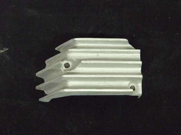画像1: GT380 オイルポンプカバー
